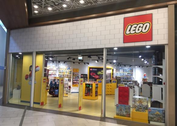 Оформление магазина игрушек на заказ