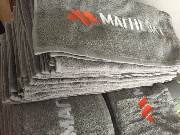Заказать вышивку на махровом полотенце, полотенца с логотипом